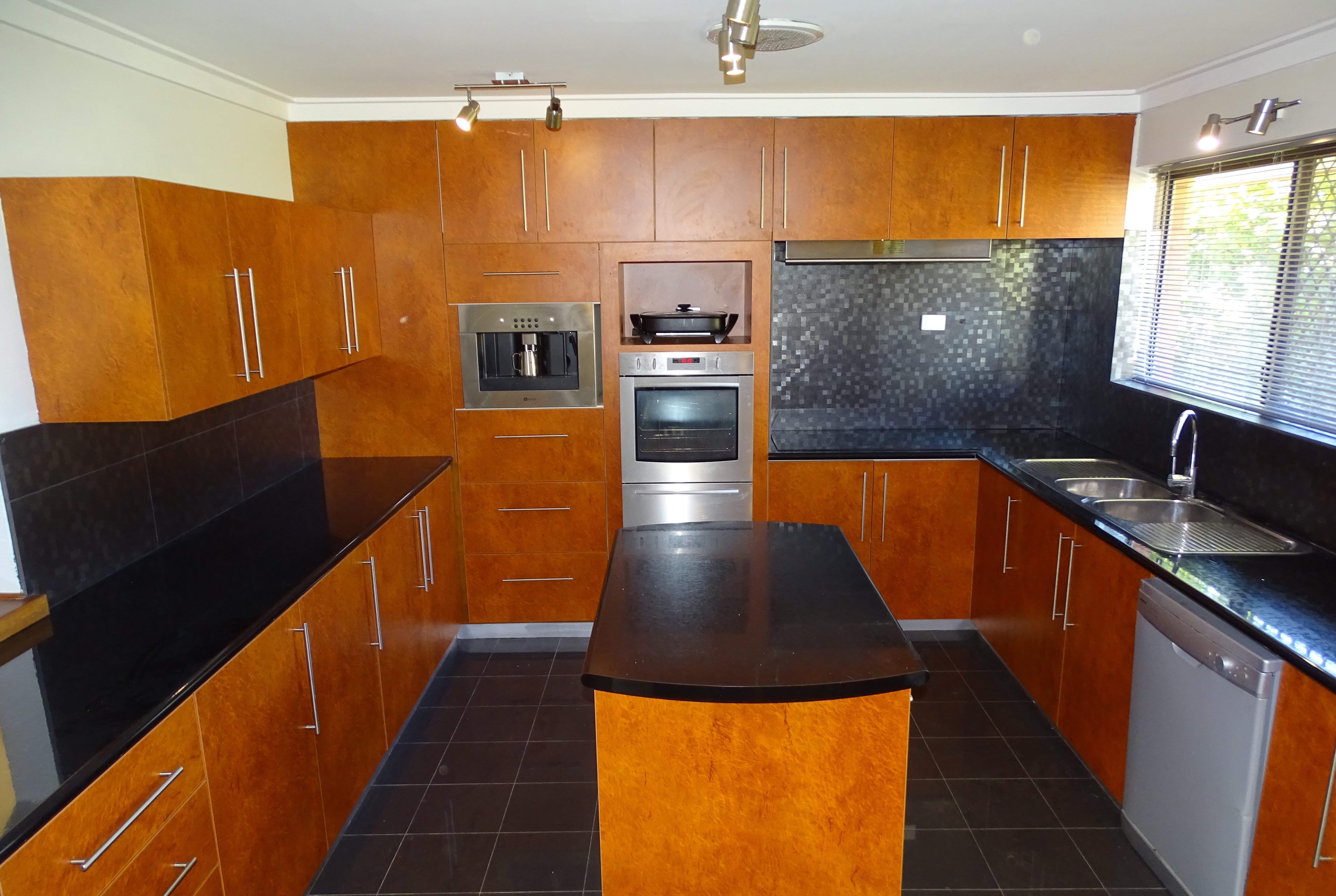 62-Wheatley-Drive-Bull-Creek-for-rent-888-Real-Estate-Group-WA-Kitchen